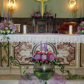 composizioni altarre arcobaleno fiori