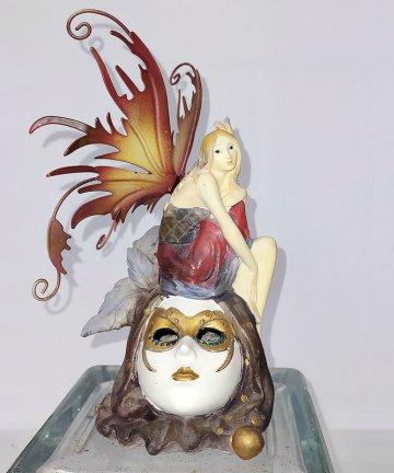 Fata maschera veneziana